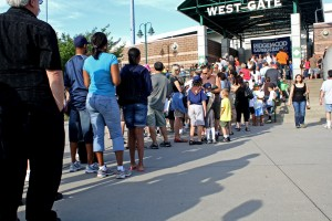 Fans on line at Bethpage Ballpark
